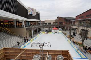 スケート場設置後のオアシスプラザ