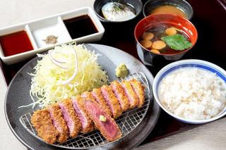 京都勝牛の「牛ロースカツ膳」