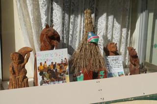 ラグビーナミビア代表チームが製作したリスの巣箱