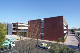 本町田西小学校歩道橋から見た「桜美林大学 東京ひなたやまキャンパス」